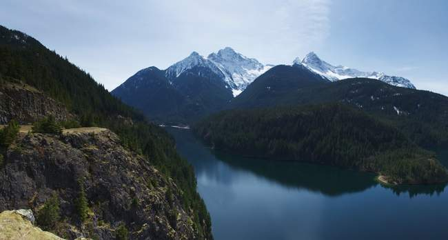 Another overview of Diablo lake